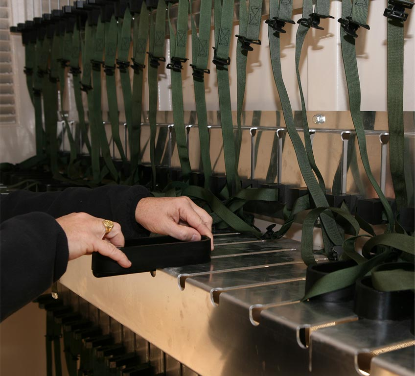 Adjustable weapons racks