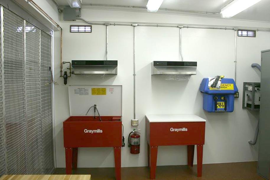 Range hood and exhaust fan